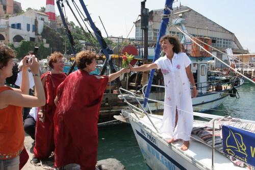 Arrivée de Florence Arthaud à Jaffa le 7 juin 2005